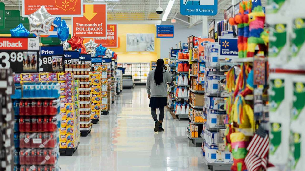 Walmart tests cashierless grocery store with self-checkout tech