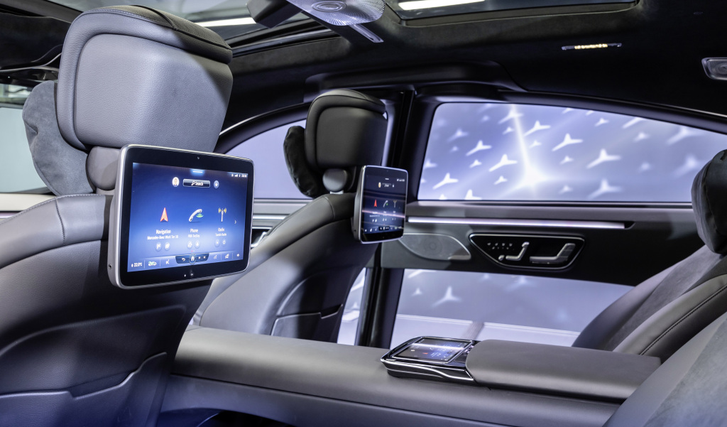 New Mercedes S-Class MBUX infotainment goes touchscreen heavy with big expansion