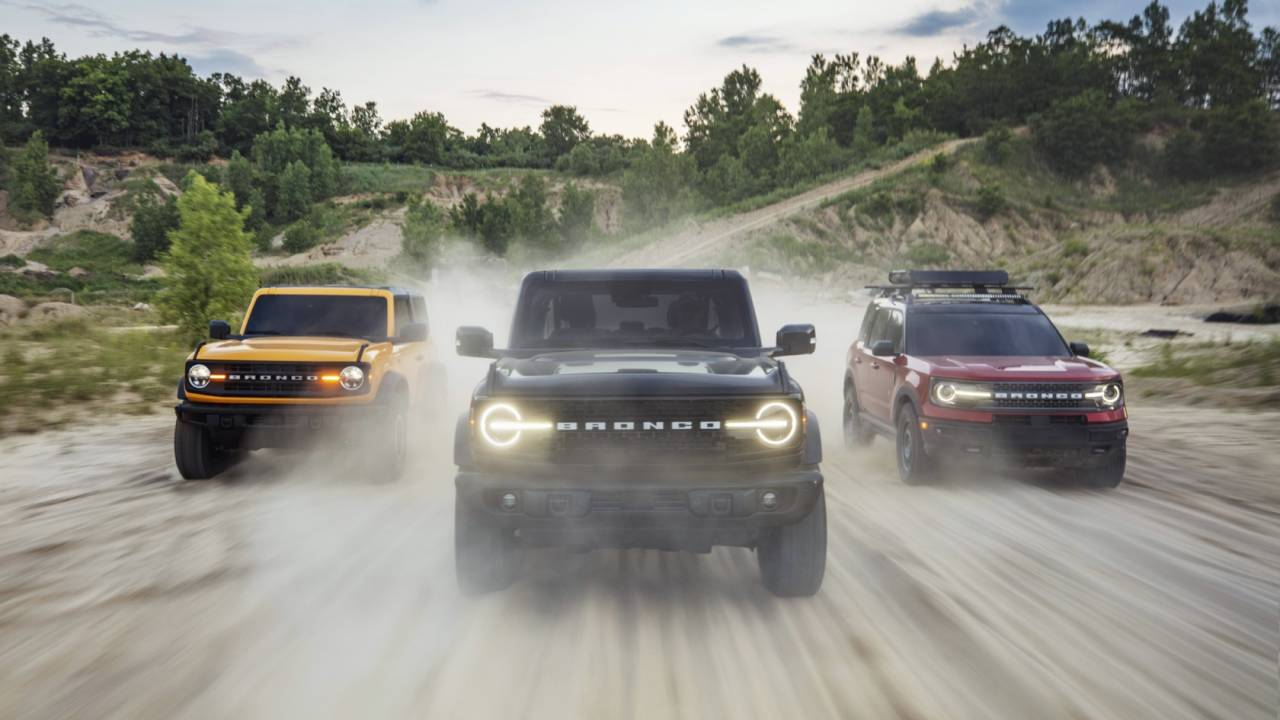 New Ford Bronco blasts through 150,000 reservations milestone