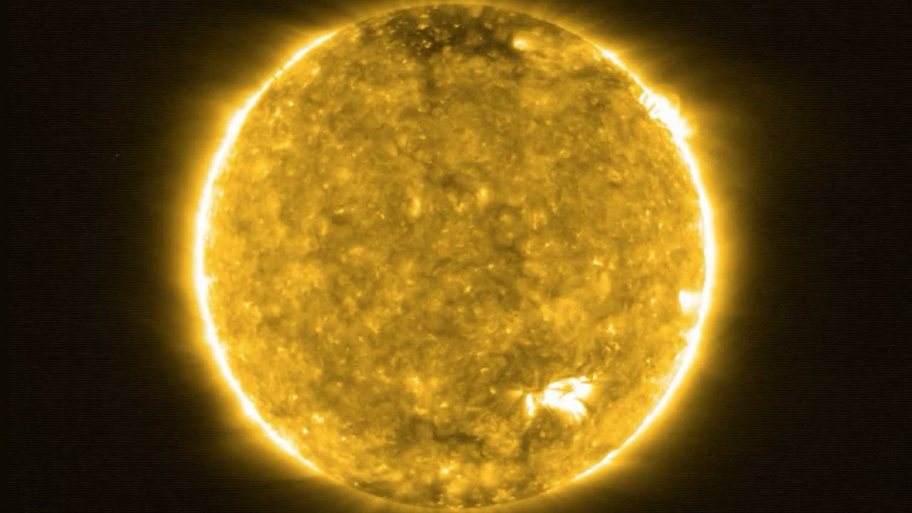 Closest-ever images of the Sun released – and they expose a new mystery