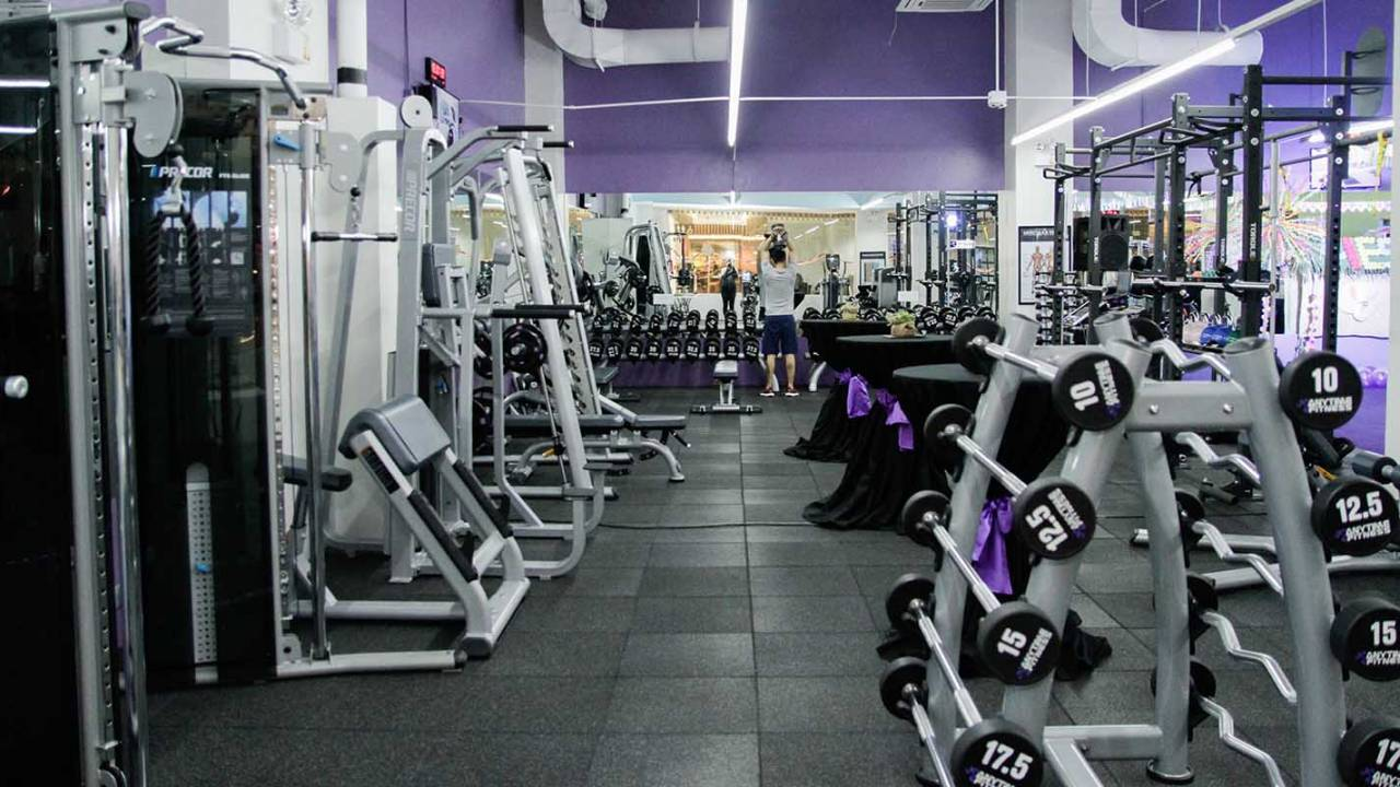 Gym equipment is covered in antibiotic-resistant bacteria, study warns