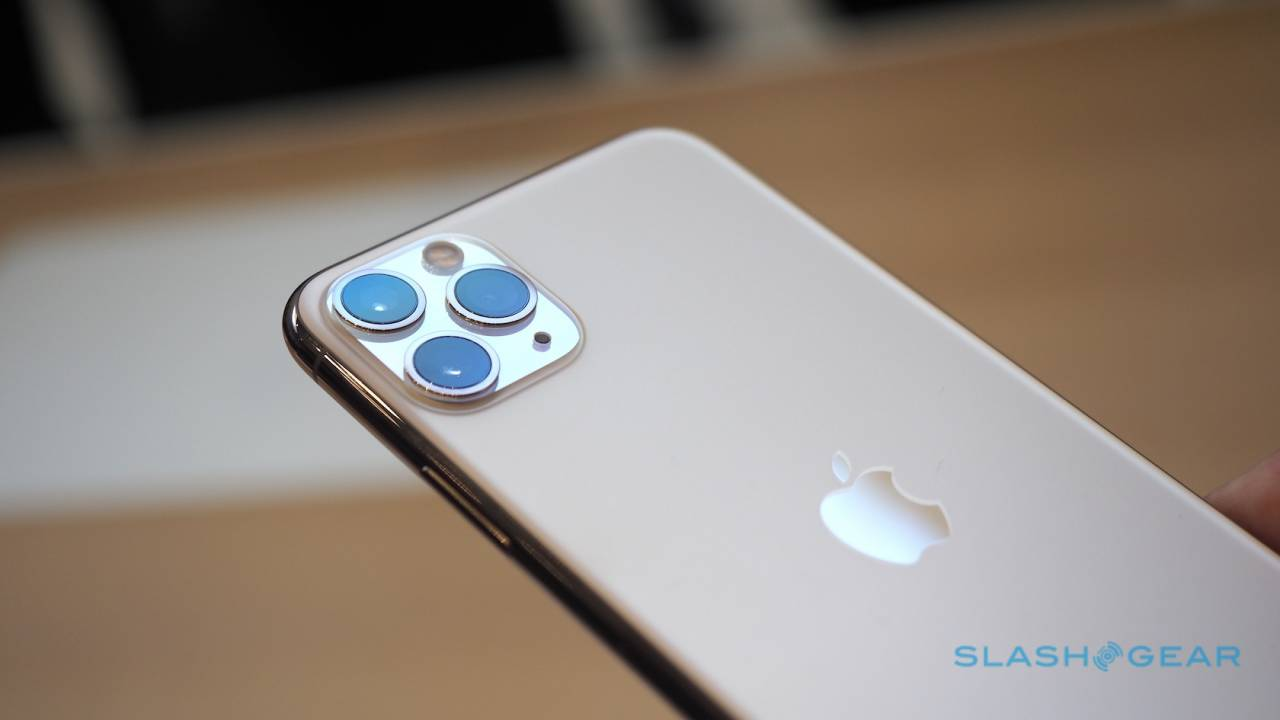 Future iPhone tipped to get a periscope telephoto lens
