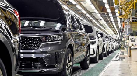 Kia kicks off production of the new Sorento Hybrid in Korea