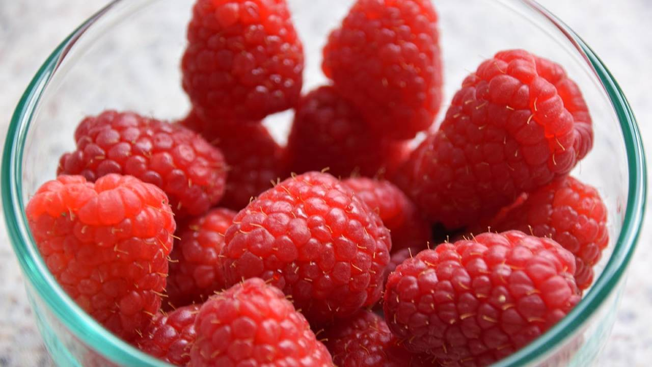 Eating raspberries daily found to relieve itchy autoimmune skin allergies