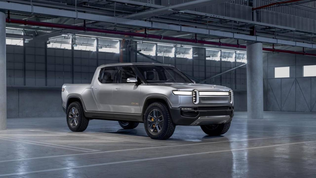 Rivian raises $2.5 billion more: New and old investors back EV-maker
