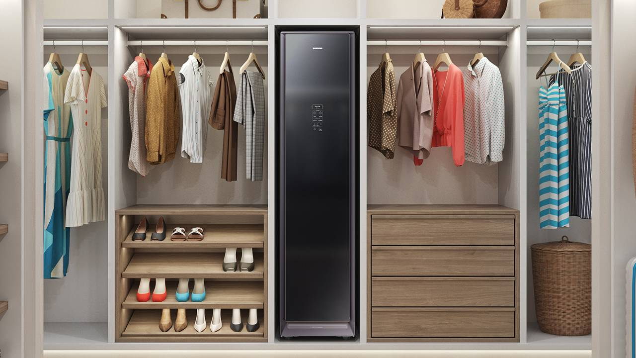 "Samsung AirDresser ""cleaning wardrobe"" goes on sale"
