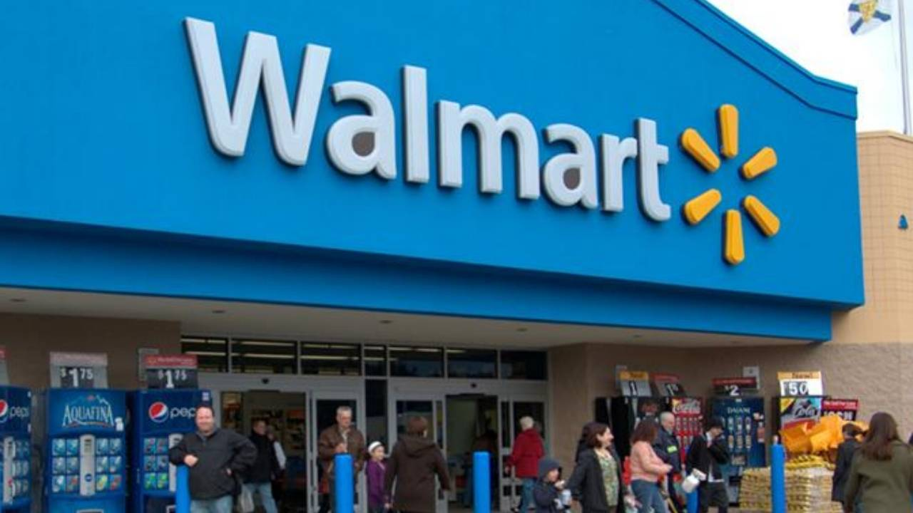 Walmart is giving Black Friday shoppers Thanksgiving off this year