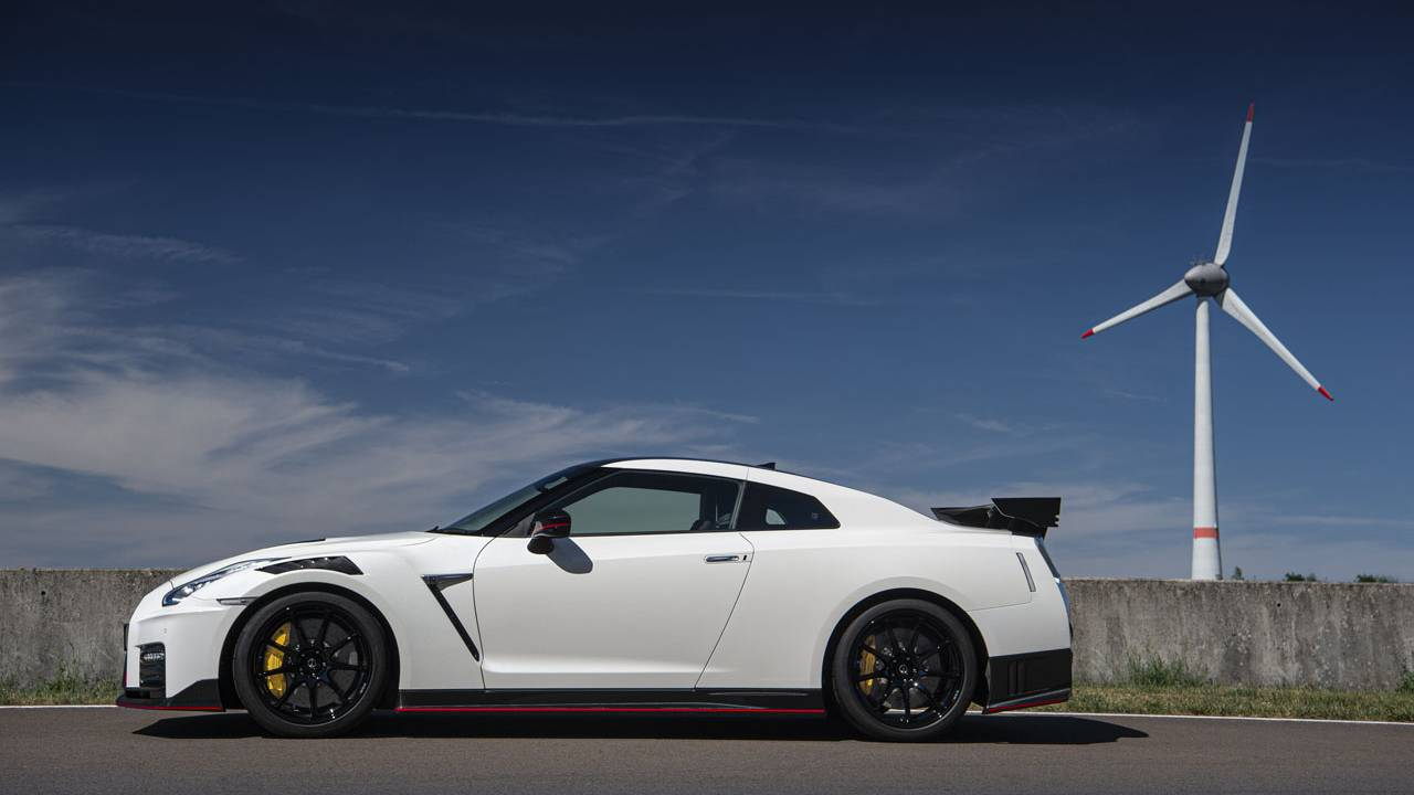 Nissan announces 2021 GT-R Premium and NISMO pricing