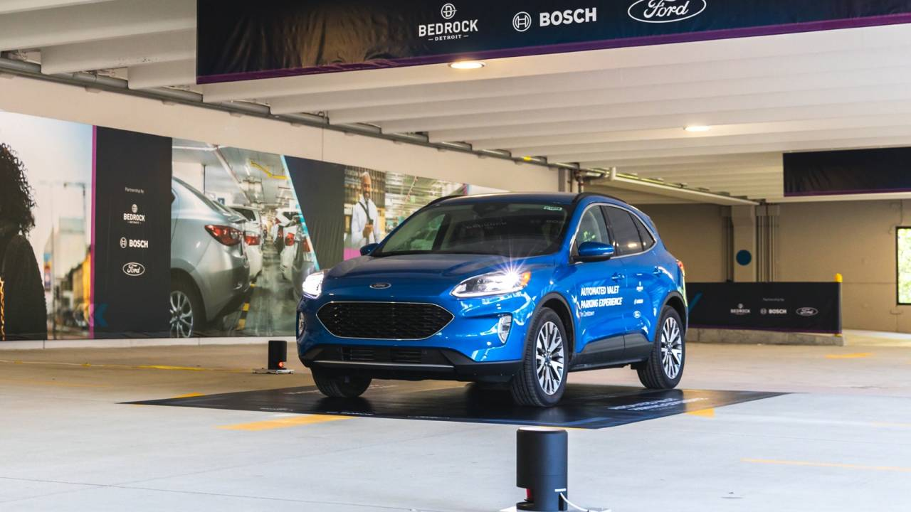 Watch Ford and Bosch's garage where the cars park themselves
