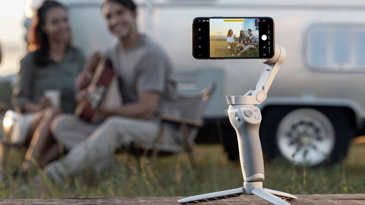 DJI OM 4 smartphone stabilizer gets a slick magnetic mount