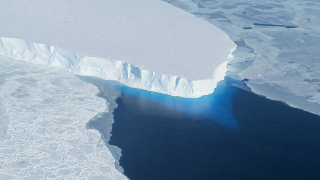 Antarctic fractures could see precarious ice shelves crumble – with dire results