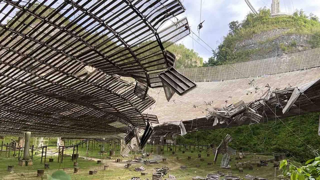Massive Arecibo radio telescope suffers more damage from cable incident
