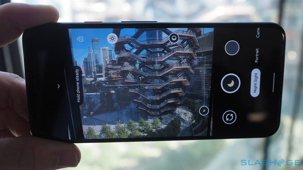 Android 11 will force apps to only use the built-in camera app