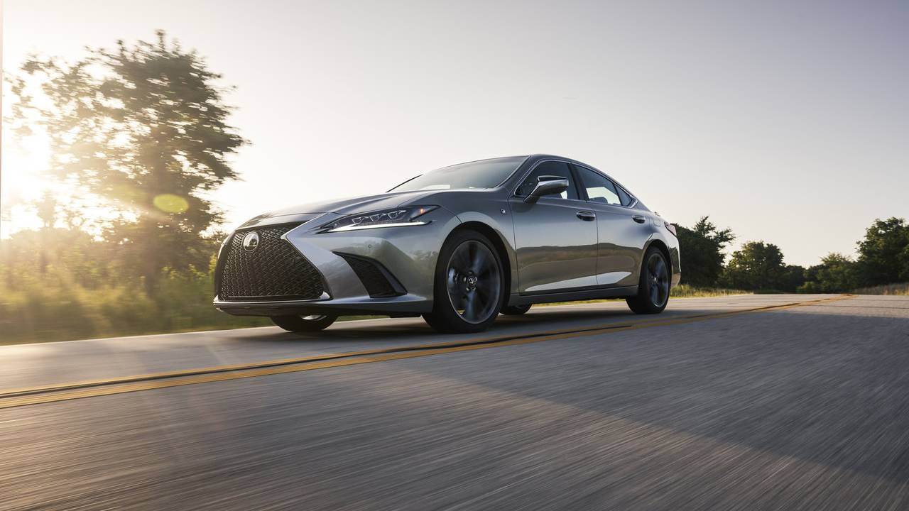 2021 Lexus ES is now available with AWD, but there's a catch