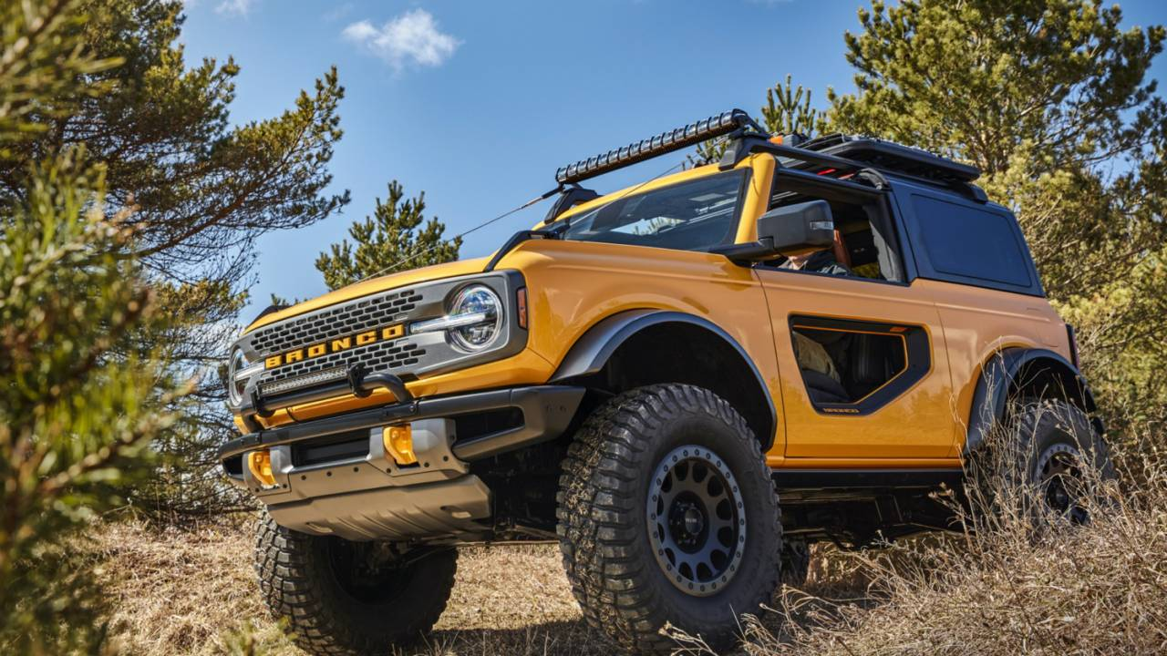 2021 Bronco Sasquatch manual option added as Ford relents