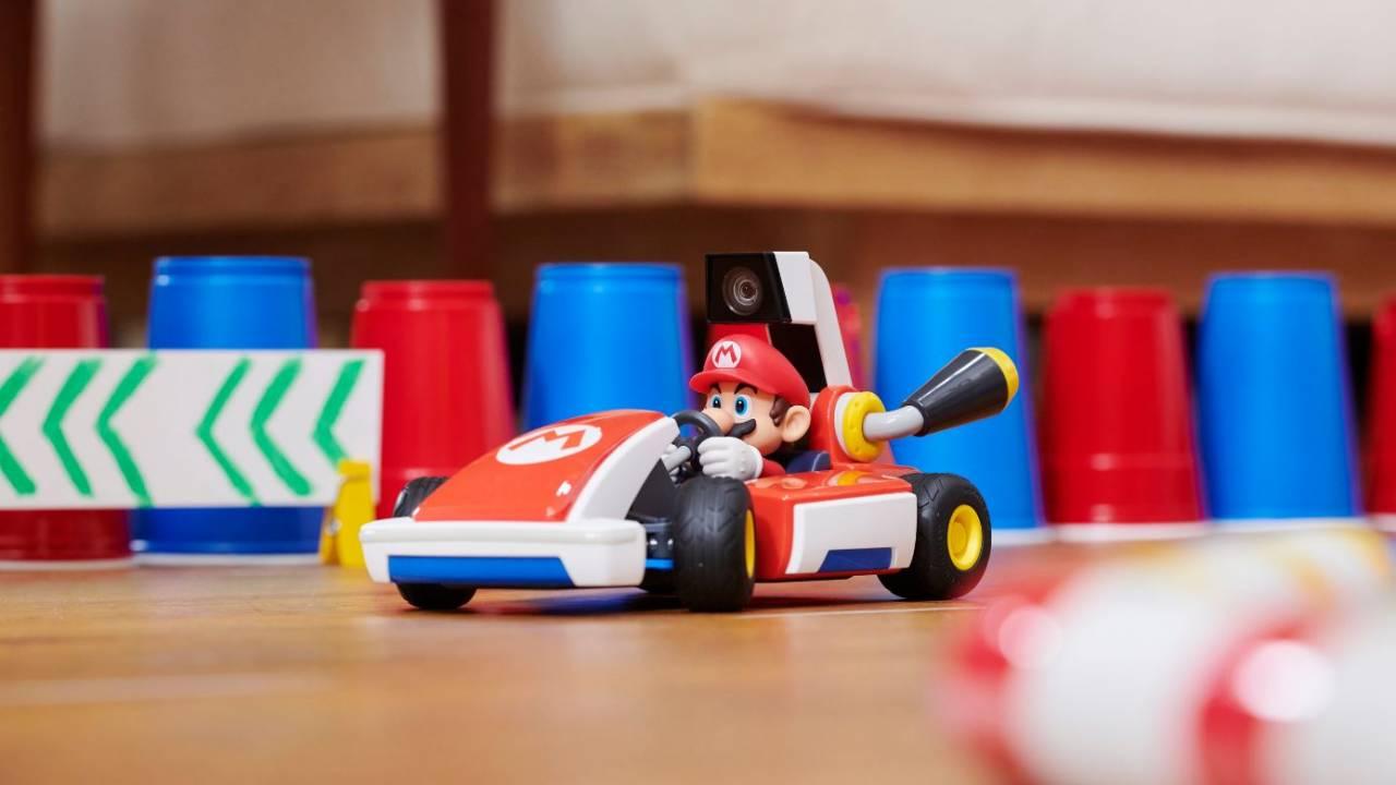 Mario Kart Live Home Circuit Serves Up Real World Ar Kart Racing Slashgear