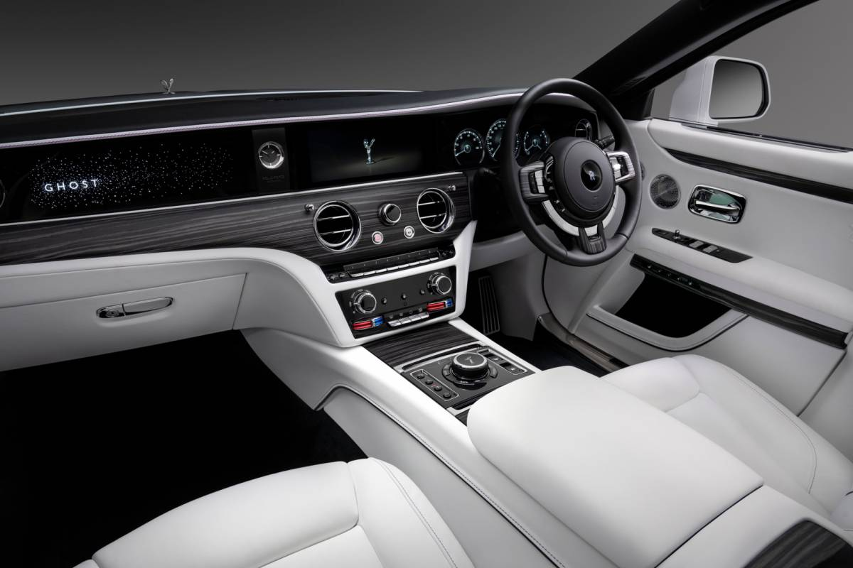 The New Rolls Royce Ghost Aims For The Impossible Slashgear