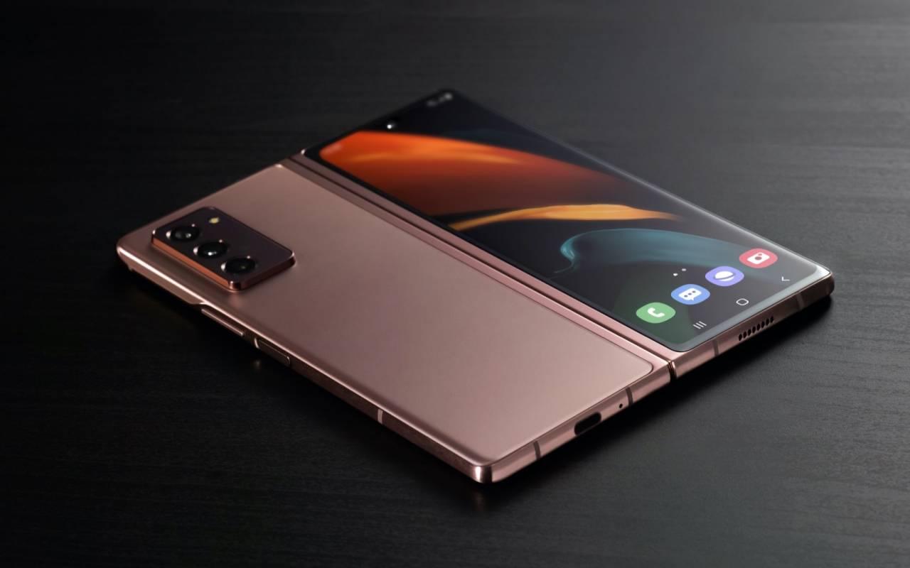 The Samsung Galaxy Z Fold 2 Is 1 999 Full Foldable Details Slashgear