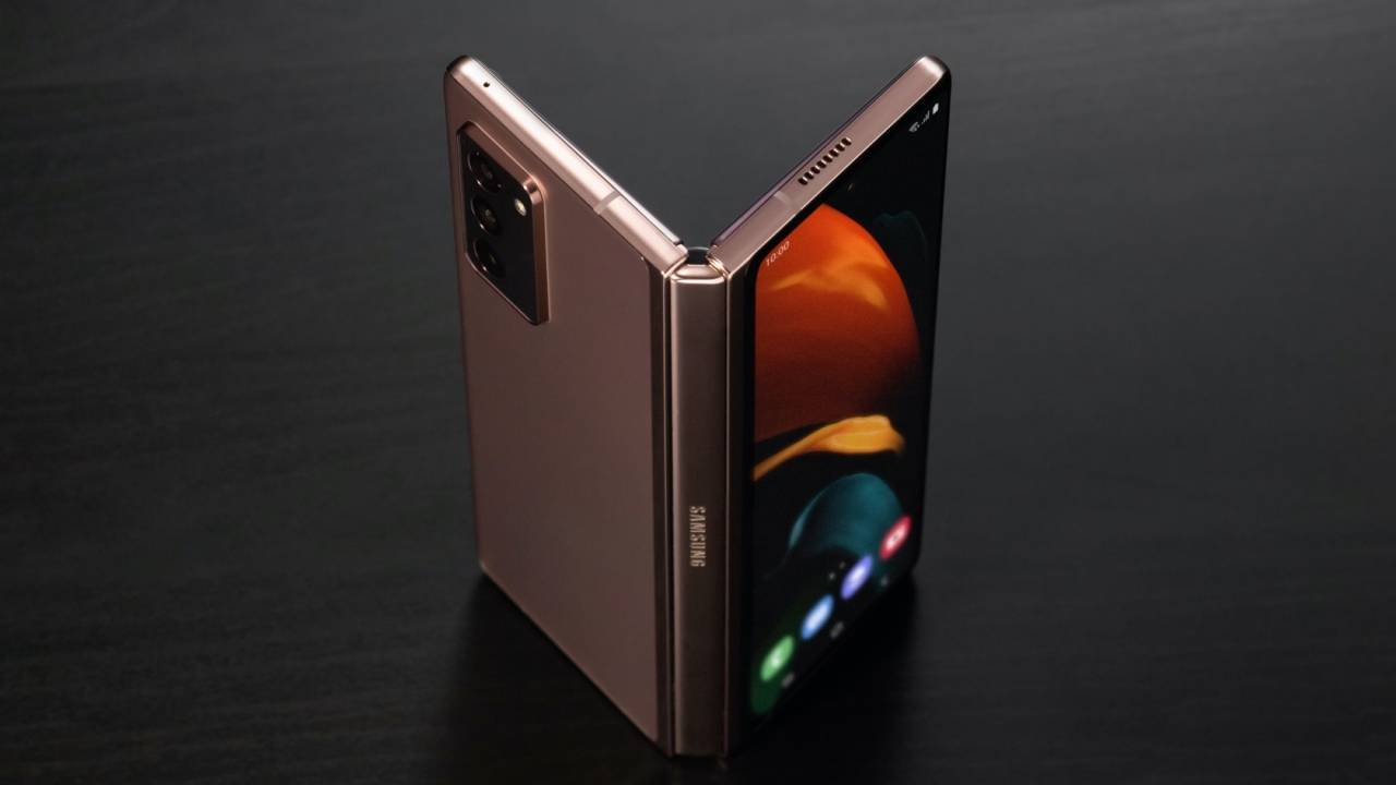 Galaxy Z Fold 2 eSIM finally works with latest update