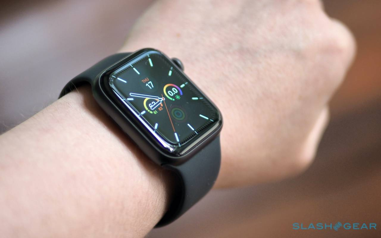 Apple Watch SE first look - It's a family thing - SlashGear
