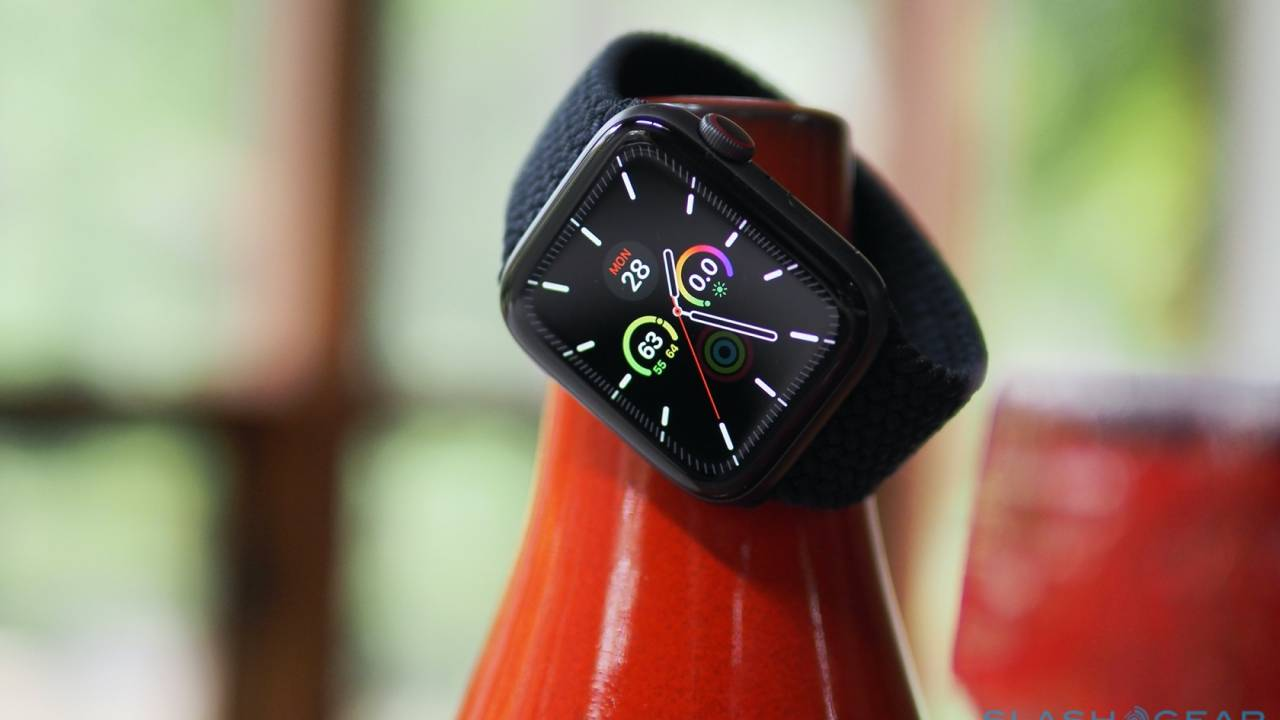 Apple Watch SE Review – The Best Smartwatch for Most