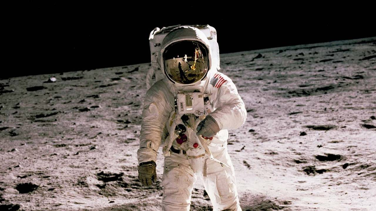 Future astronauts may zap away annoying, messy Moon dust