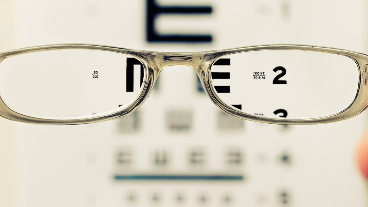 Study finds wearing glasses may drastically cut COVID-19 infection risk