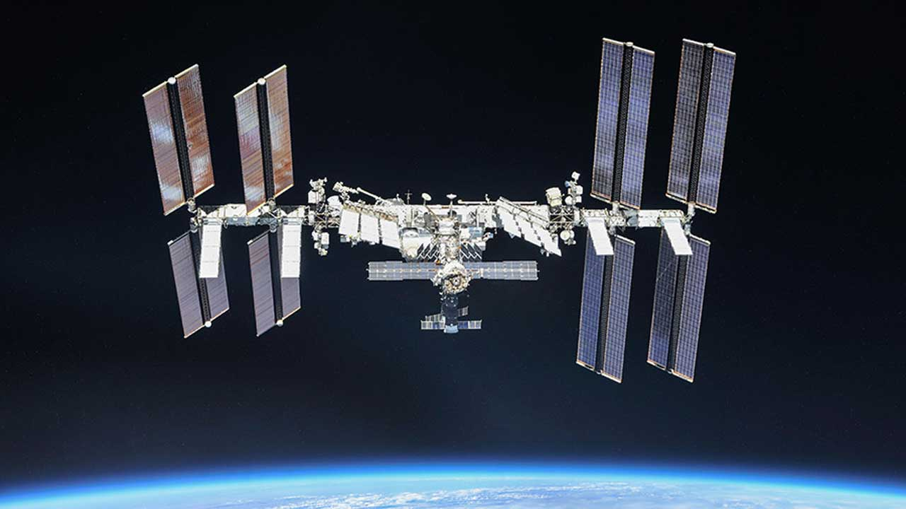 ISS crew continues testing to find a small leak aboard the station