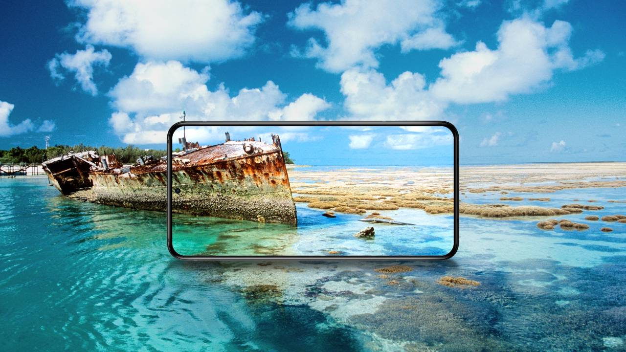 Samsung and LG won't supply Huawei with displays either