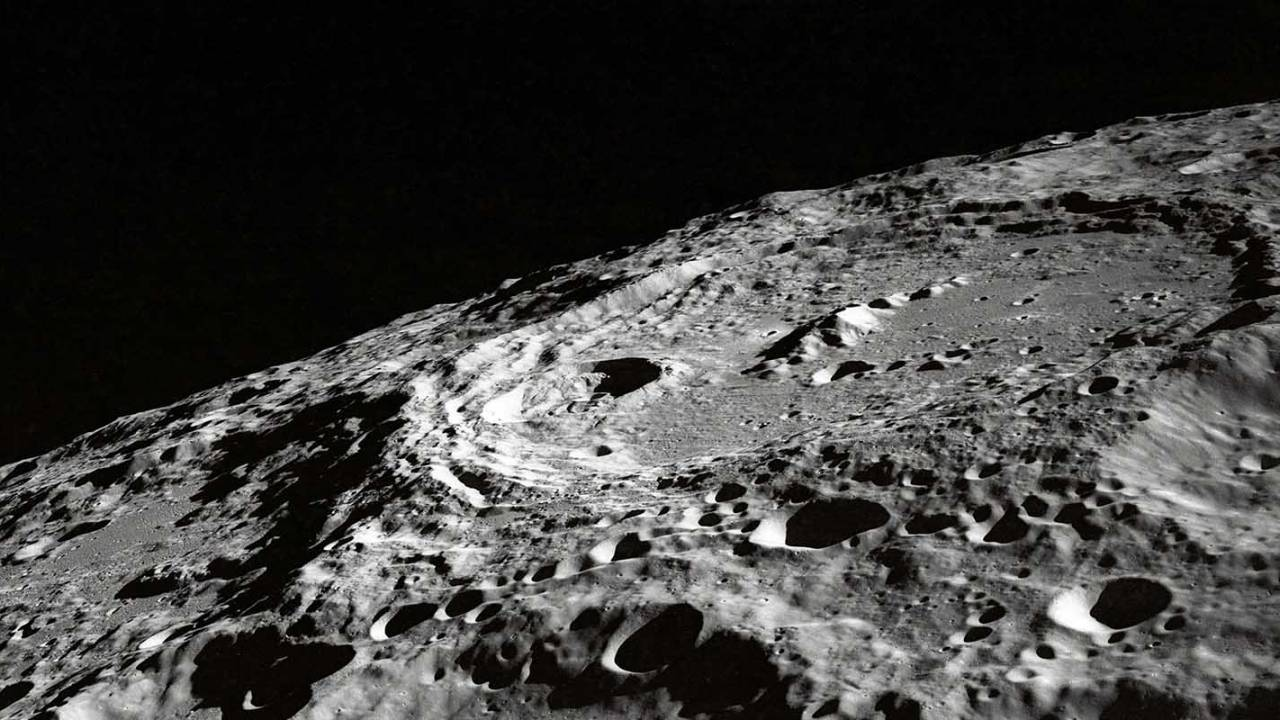 NASA wants private companies to sell it Moon rocks and dust