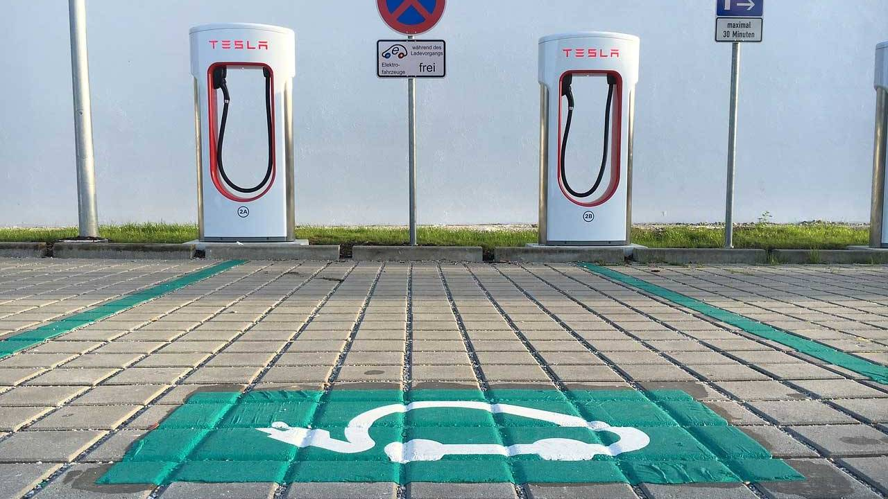 Flaw in Tesla Superchargers in Europe allows competing brands to charge for free