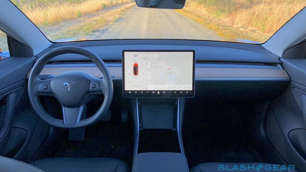 Tesla outage forces EV app offline