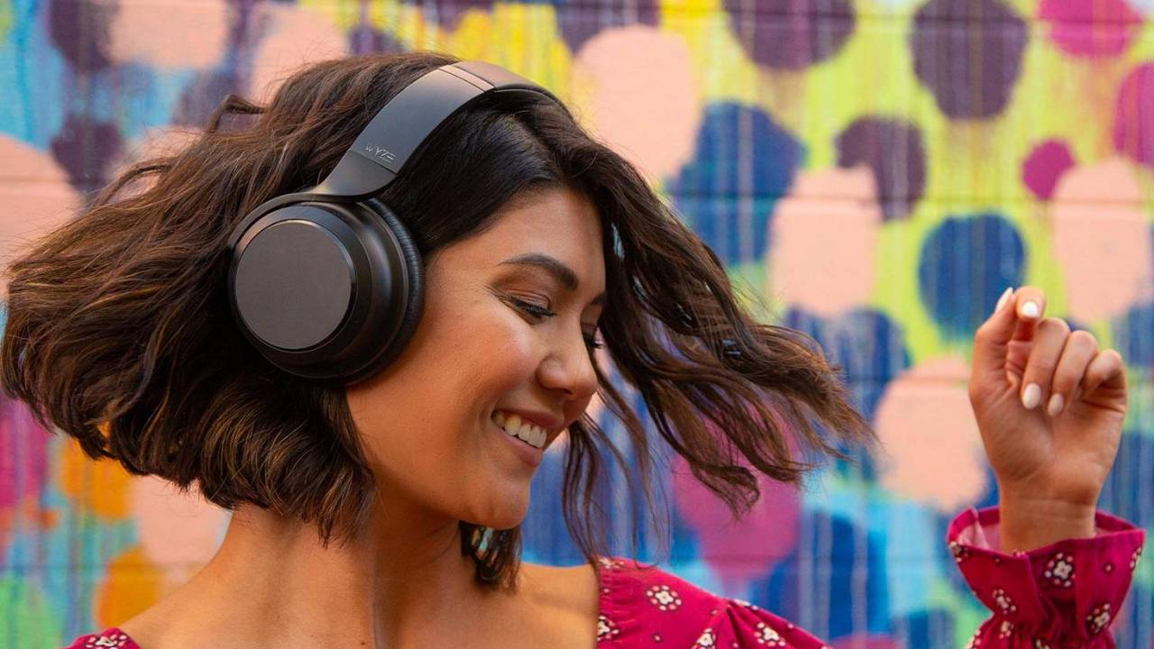Wyze Headphones with hybrid ANC boast high-end features at budget price