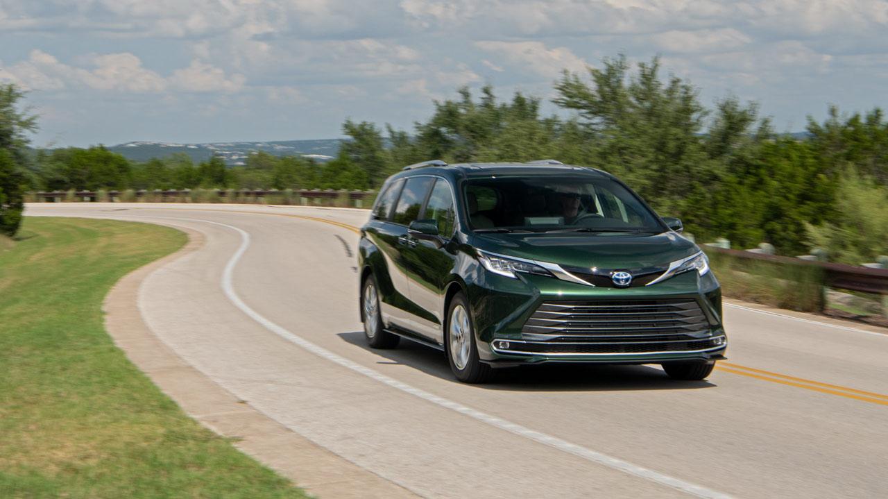 2021 Toyota Sienna lands at dealerships next month