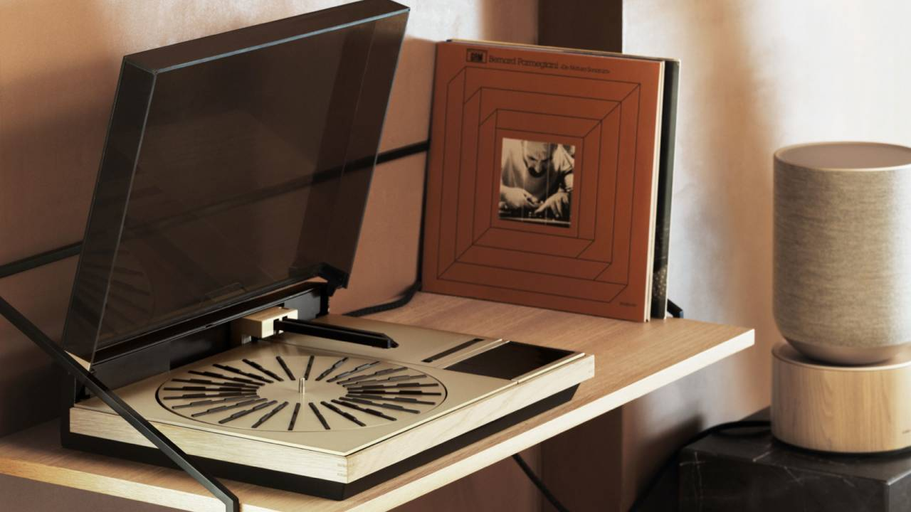Bang & Olufsen Beogram 4000c brings iconic turntable back to life