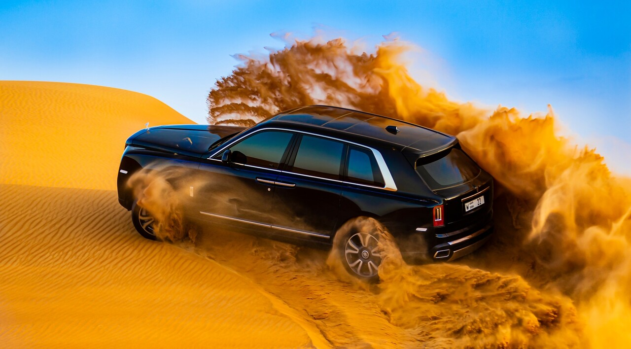Check out this Rolls-Royce Cullinan frolicking in the Arabian desert