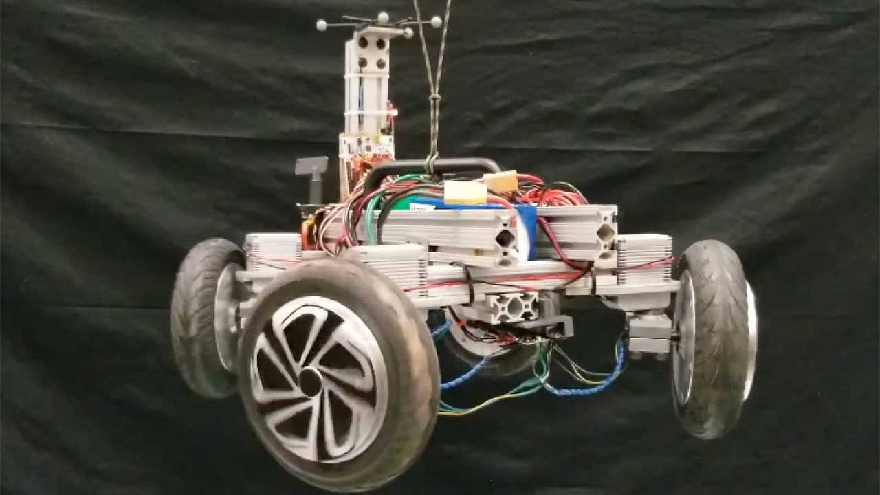 Cat-like AGRO robot always lands on its wheels