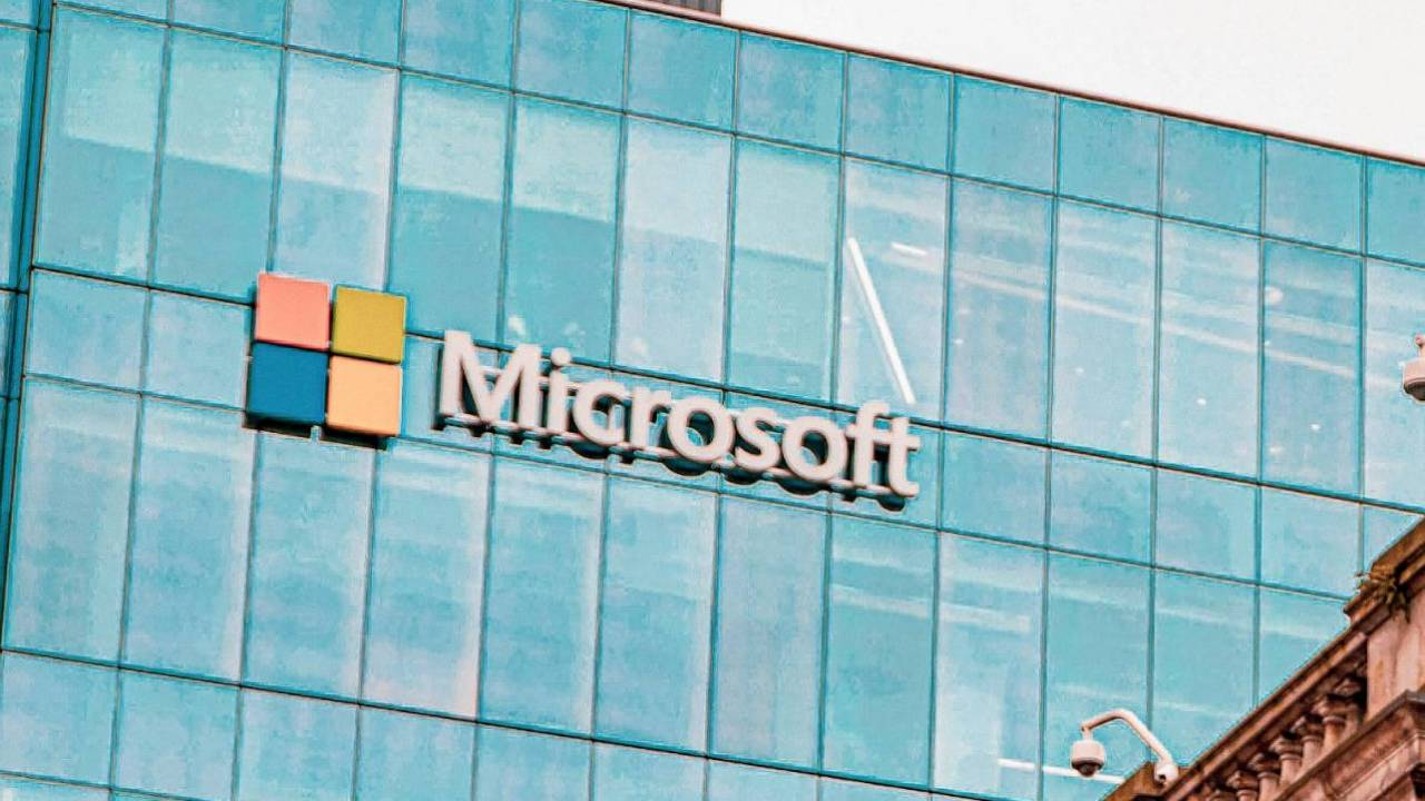 Huge Microsoft 365 outage takes down Outlook and more