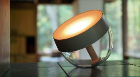 Philips Hue Iris Table Lamp Review (2020) – Back, brighter