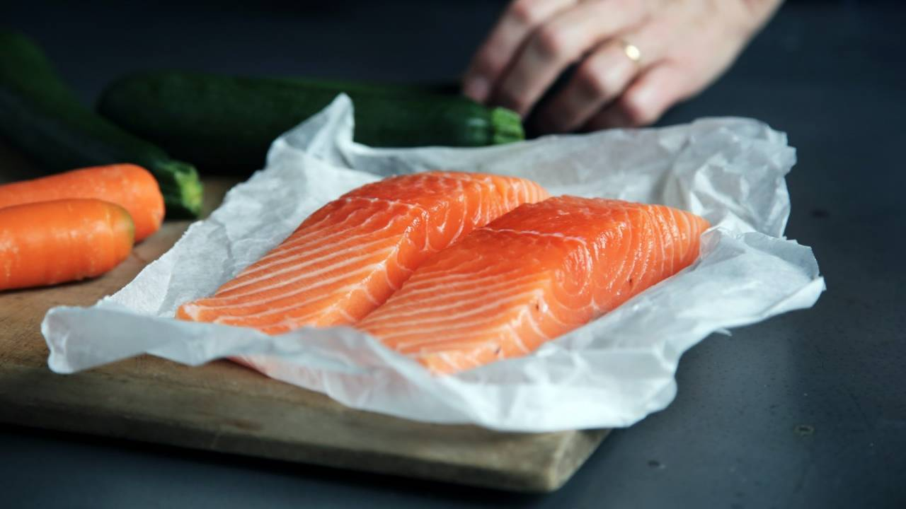 Eating fish and certain nuts together may offer protection after heart attack