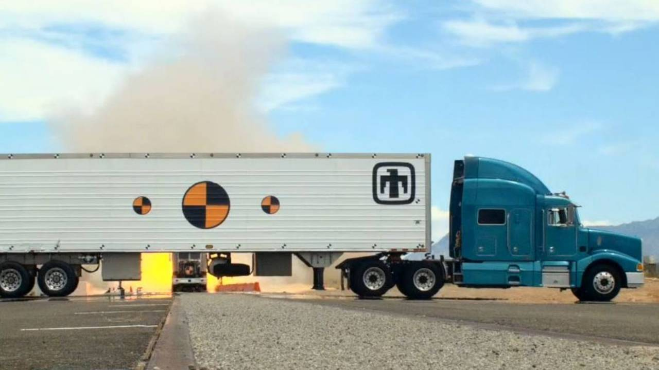 Nuke transporter slammed with rocket-powered semi-truck to test durability