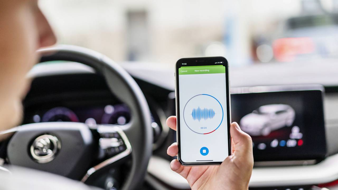 Skoda Auto Sound Analyzer app records vehicle noises for diagnostics