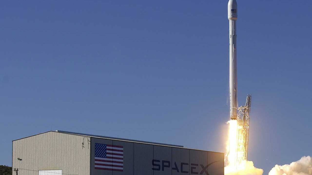 Three percent of SpaceX Starlink satellites may have failed