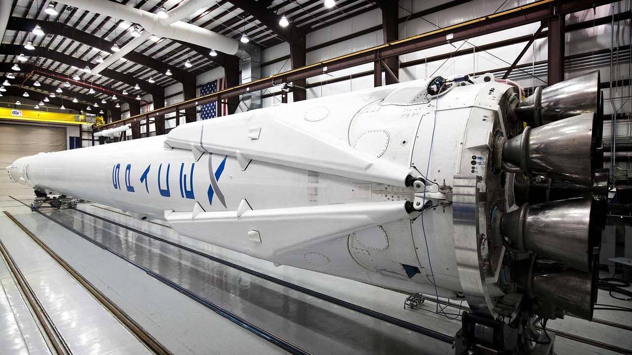 SpaceX successfully launches 60 new Starlink satellites