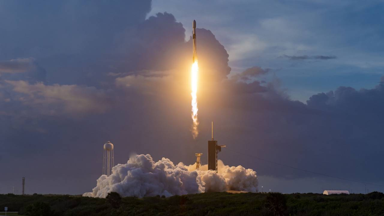 SpaceX launches 60 new Starlink satellites – Musk drops public beta details