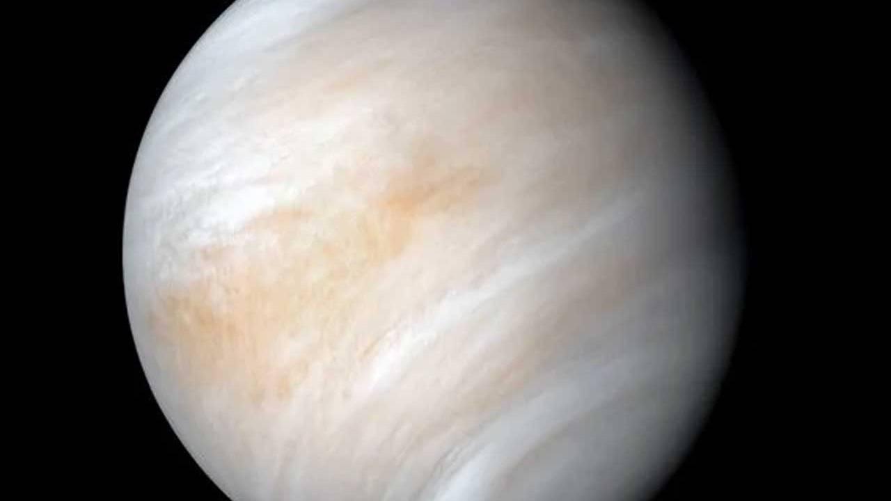 Amino acid glycine found in the atmosphere of Venus