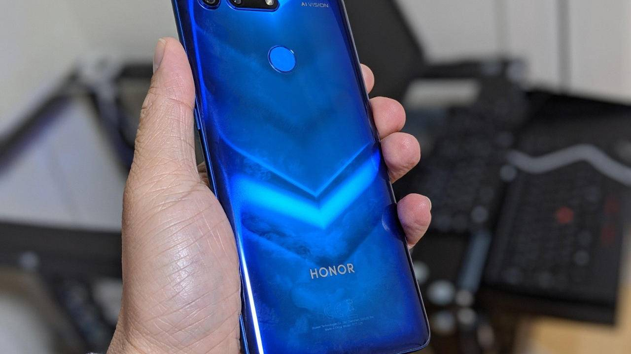 Huawei confirms complete sale of Honor business