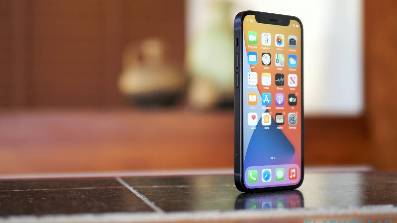 Apple releases iOS 14.2.1 with iPhone 12 mini lock screen fix