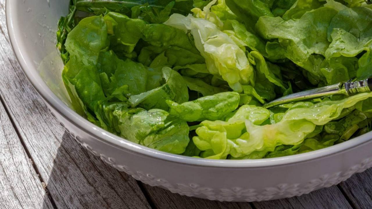 FDA says romaine hearts recalled in 15 states over E. coli risk