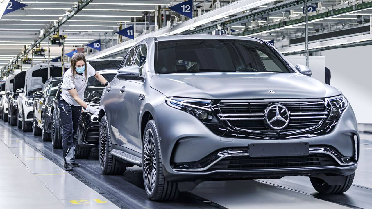 Mercedes-Benz EQC 400 4Matic EV updated with a faster charger